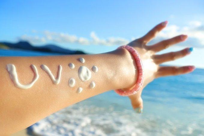 紫外線吸収剤フリーとは ノンケミカル 化粧下地 日焼け止め 石鹸で落とせる おすすめ