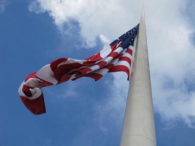 american-flag-375099_640
