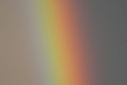 虹色 意味 配色 順番 覚え方 虹にない色 世界の虹 色の数